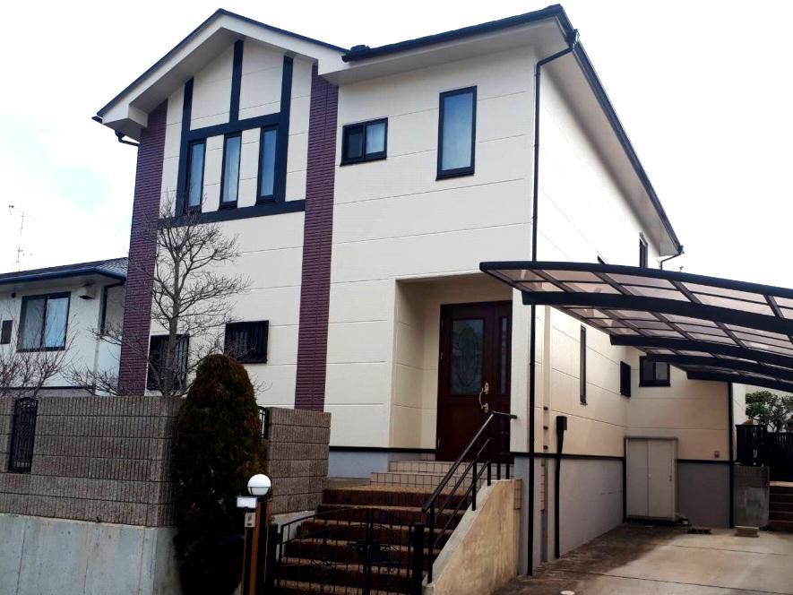お母様のこだわりのお家。新築の時の外観を再現しました。