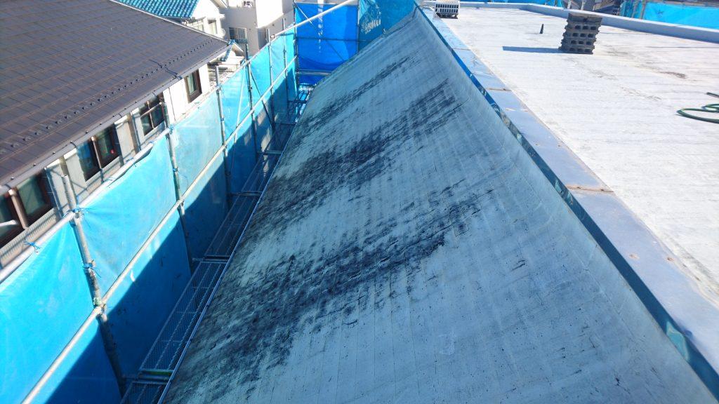 人気ナンバーワン ガルバリウム鋼板の屋根材