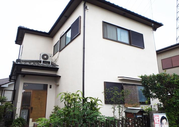 屋根と外壁は適切な時期に適切な工事を。定期的な点検が大切です。