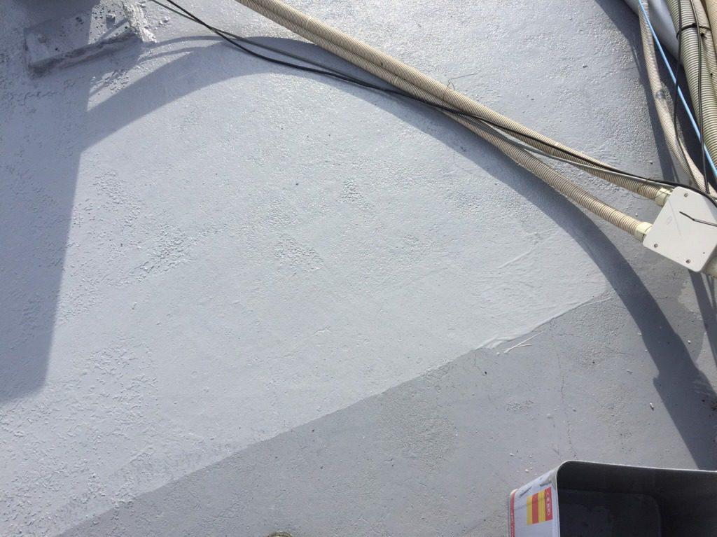 <ビルの雨漏り補修>屋上防水の劣化を補修しました。