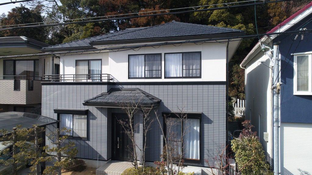 軽量瓦のルーガに葺き替え、一緒に外壁塗装をしてお家を一新しました。