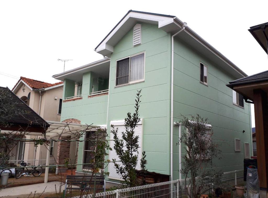 ご近所でもひときわ目を引くこだわりのグリーン! 屋根・外壁塗装工事<兵庫県たつの市>屋根遮熱塗装(シャネツロック)、外壁ハイブリッド塗装(シリコン、ビルロック)、シーリング補修、ベランダ防水、雨樋・雨戸鉄部塗装