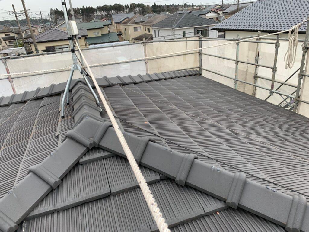 季節の変わり目は屋根の修理を