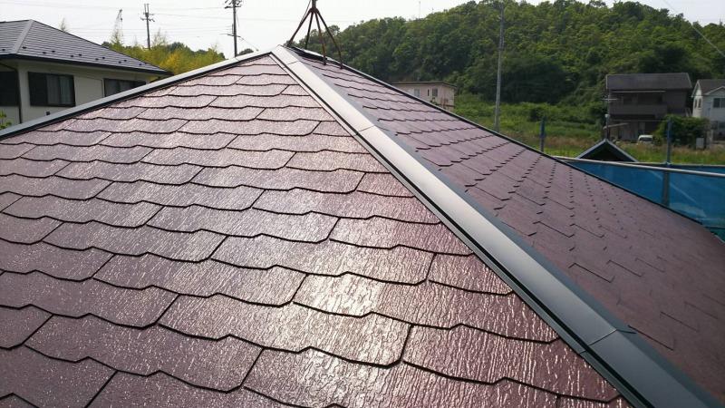 屋根・外壁塗装に加え、床下害虫駆除とテレビドアホンの交換工事をしました。