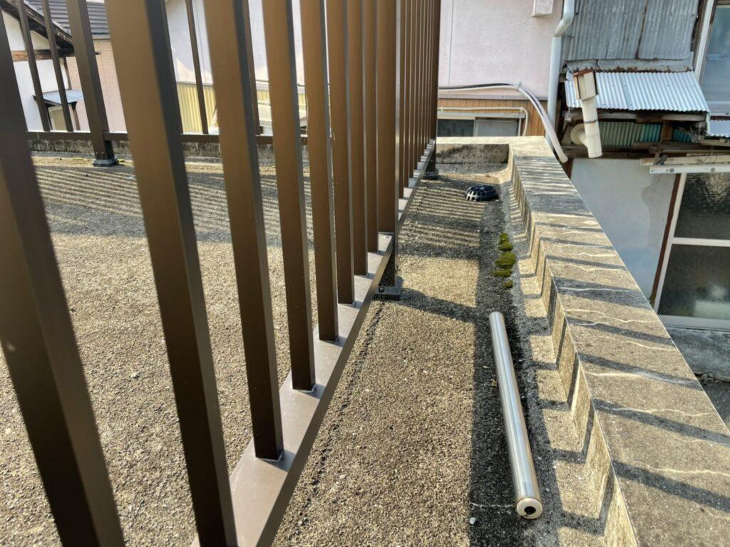 外壁の腐食を防ぐ笠木の役割